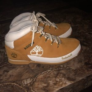 Practically brand new Timberlands hiking boots!!!